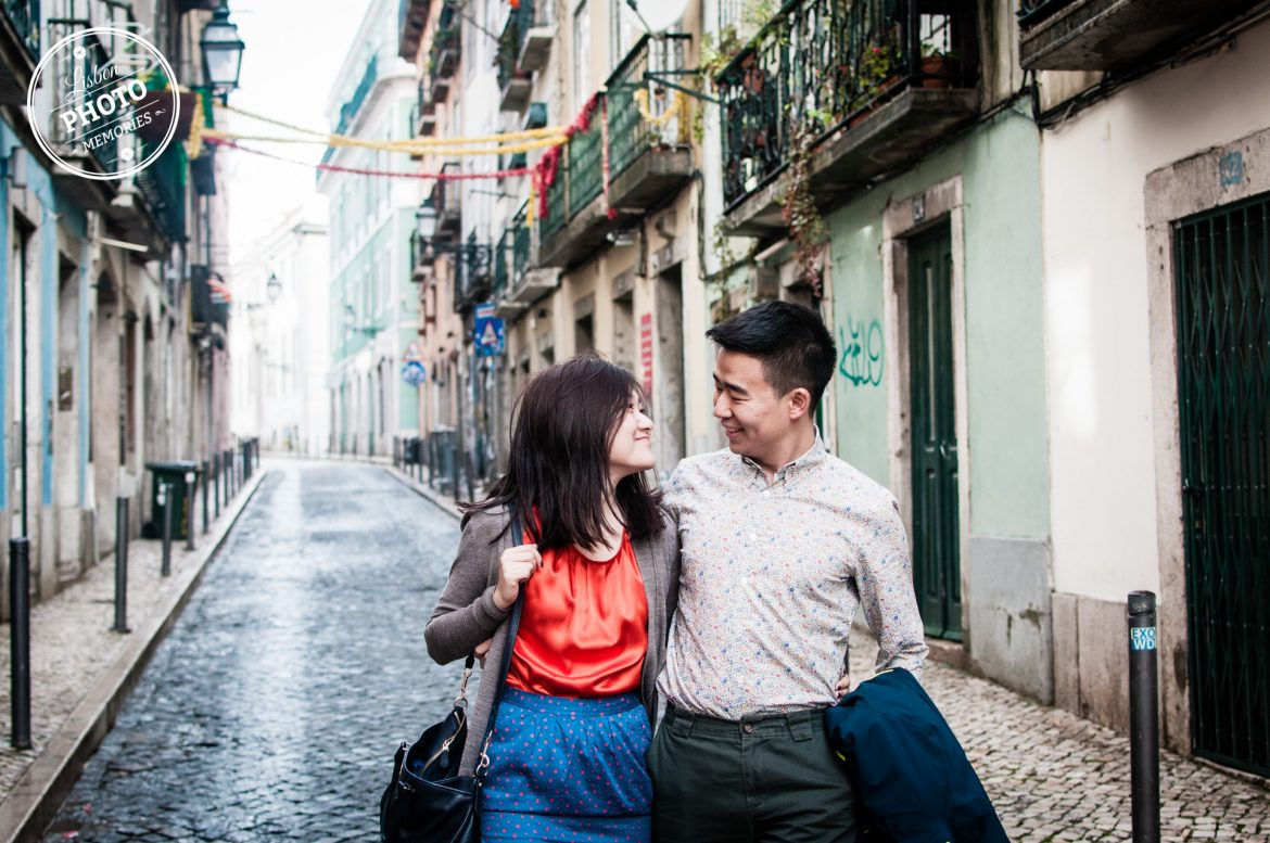 Valentine s day photo session Diane and Stanley Bica Bairro Alto Carmo Chiado Lisboa