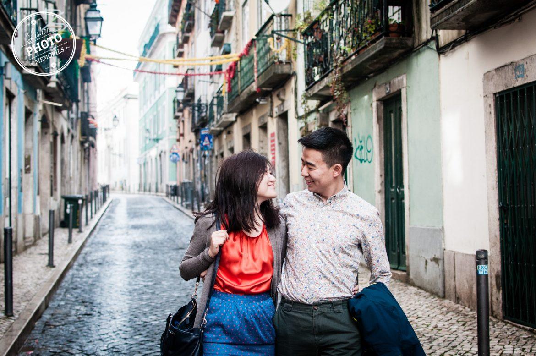 Valentine s day photo session Diane and Stanley Bica Bairro Alto Carmo Chiado Lisboa